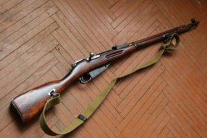 У брянского «трофейщика» изъяли целый арсенал оружия и боеприпасов
