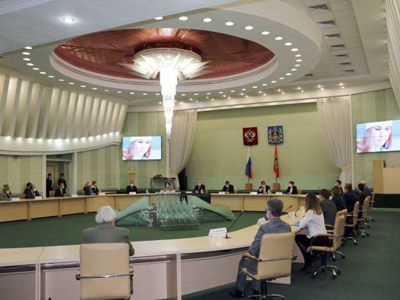 В Брянске торжественно поздравили лучших учёных региона