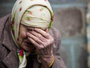 Ничего святого: лжесоцработница не раз похищала сбережения у клинцовской пенсионерки