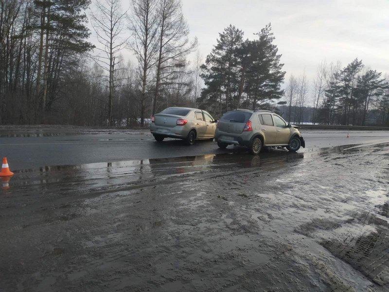 Женщина-водитель спровоцировала ДТП под Выгоничами. Один человек попал в больницу