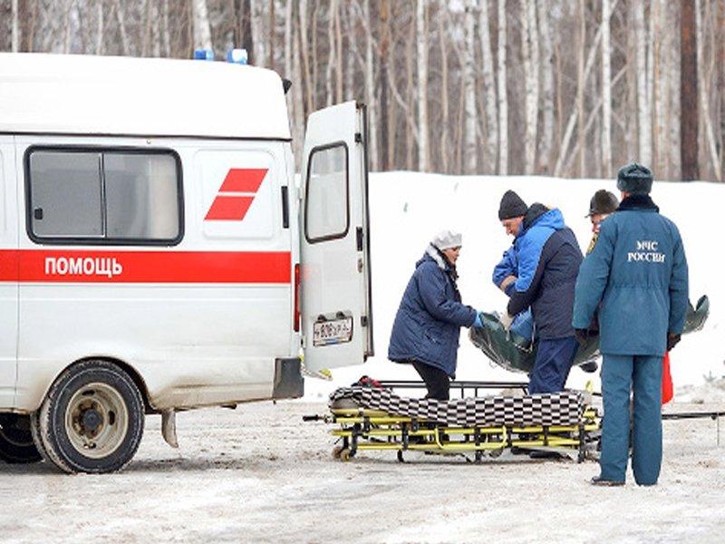 После столкновения «Лады» и кроссовера в Погарском районе госпитализированы четверо взрослых и подросток