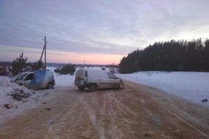 В Почепском районе столкнулись две «Лады». Госпитализирован один из водителей