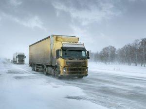 На региональных дорогах на месяц ограничат движение большегрузов