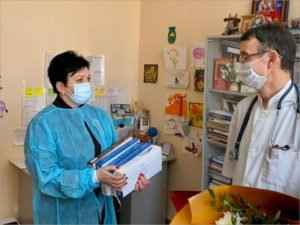 Депутат Госдумы стала участницей благотворительного представления для юных пациентов брянского онкоцентра