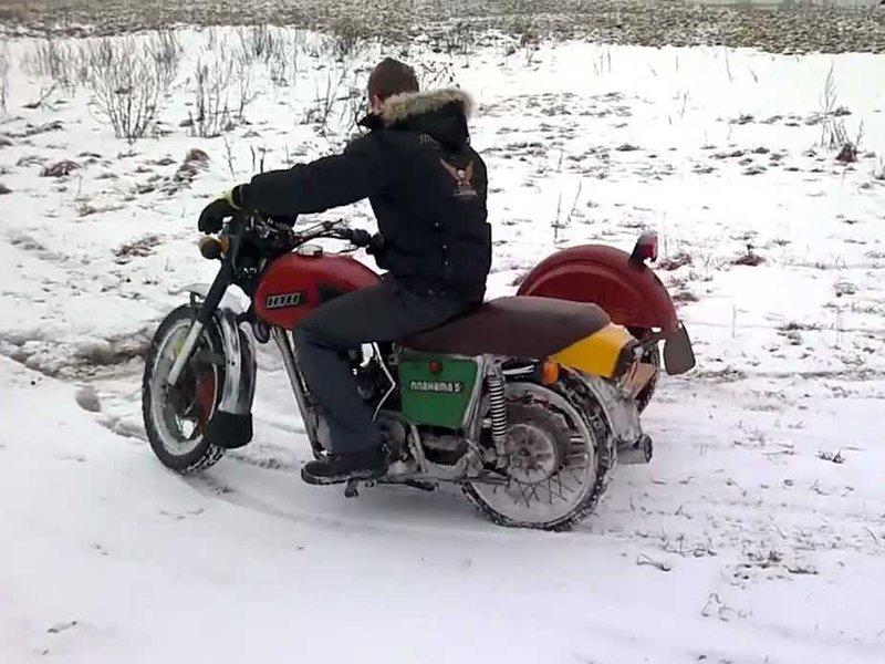 Суземский мотоциклист, катавшийся навеселе в Новый год, предстанет перед судом
