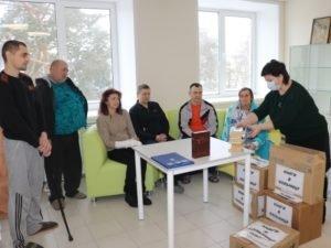 Навлинской ЦРБ волонтёры передали полторы сотни книг