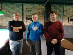 Сотрудники «Брянскэнерго» и «БрянскЭлектро» сразились в бильярдном поединке