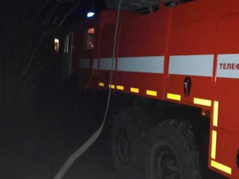 Ранним утром на Красноармейской горело нежилое здание