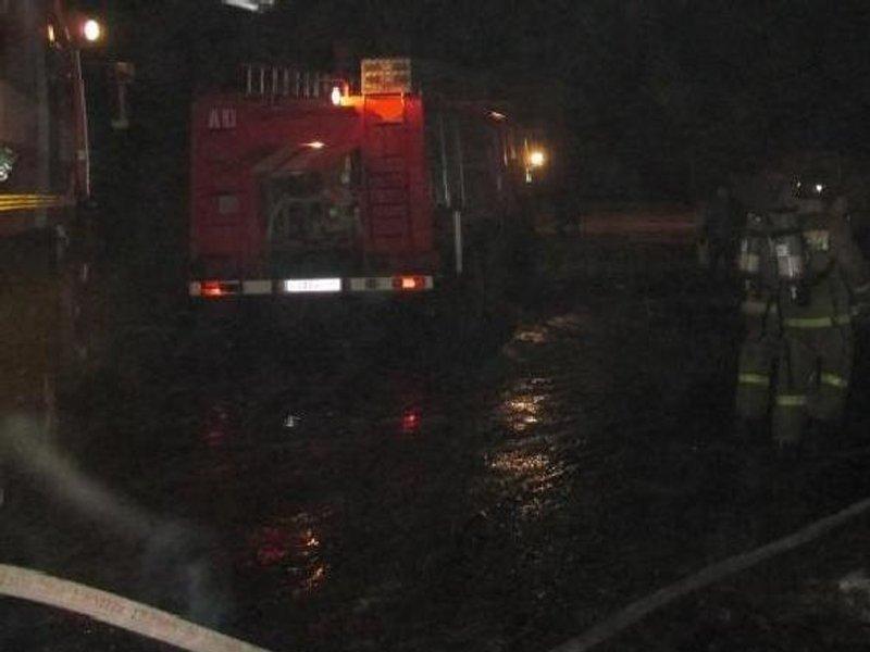 Большой жилой дом в Унечском районе тушили почти два часа