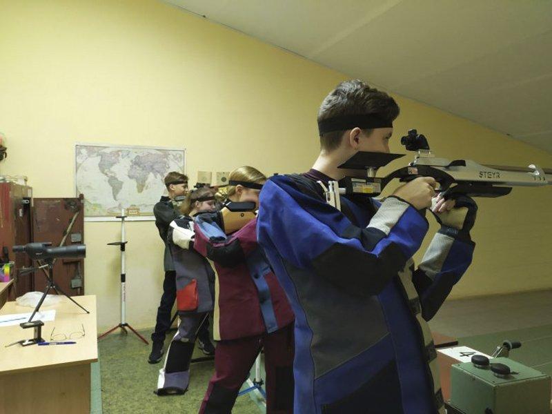 В ДДЮТ им. Ю.А. Гагарина состоялось первенство области по пулевой стрельбе