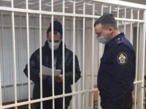 Буйный житель Почепа, подрезавший знакомого в гостях, взят под стражу