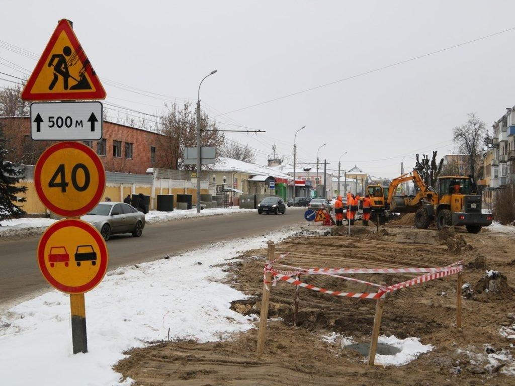 В Брянске приступили к строительству ливнёвки по Ульянова. И обещали убрать лужи в Московском и на Куйбышева