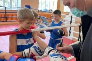 В Брянской области по партпроекту «Единой России» в 2021 году реконструируют 10 школьных спортзалов