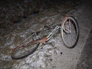 В Климовском районе легковушка сбила случайно упавшего велосипедиста