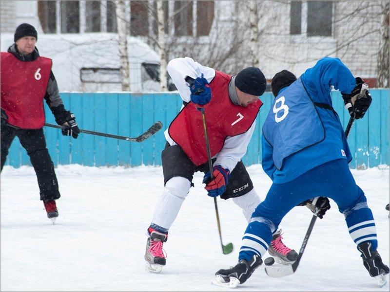 «Красная машина» выиграла брянский турнир по дворовому хоккею