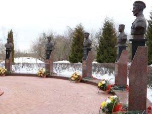 В Брянске торжественно почтили память о подвиге десантников 6-й роты