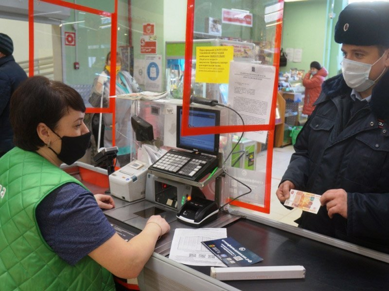 Брянские полицейские провели более 4000 инструктажей по распознанию фальшивок