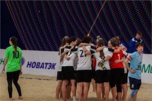 Брянские футболистки стали пятыми в первом в истории всероссийском indoor турнире по пляжному футболу