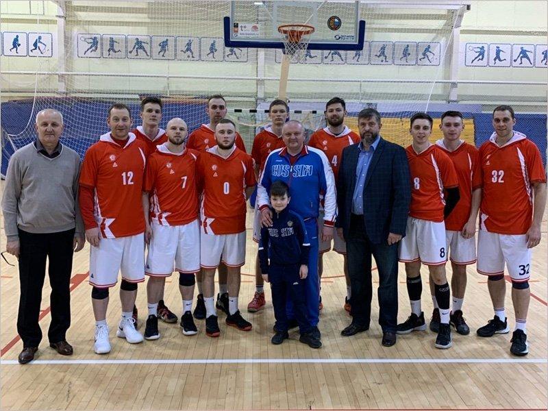 Баскетбольный «Брянск» дважды победил в последнем туре «гладкого» первенства