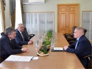 Брянский губернатор единственным в стране получил доклад про взаимодествие гражданского общества с собой