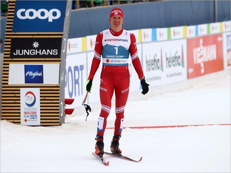 Норвежцы лишили Александра Большунова победы в марафоне и звания Короля лыж