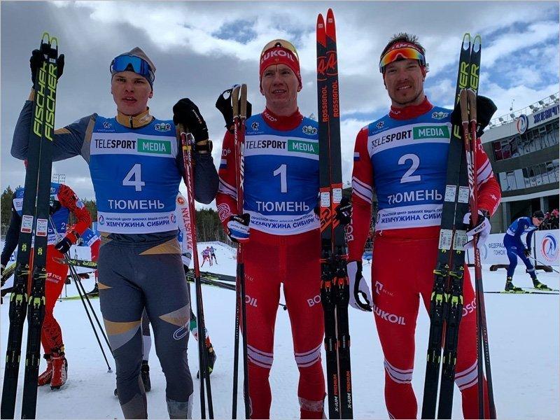 Александр Большунов выиграл скиатлон на чемпионате России