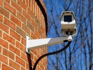 В Брянске мусорщики установили камеры видеонаблюдения на двух контейнерных площадках