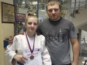 Брянские спортсменки завоевали два первых места на домашних соревнованиях по дзюдо