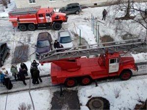 В Трубчевске пожарные были вынуждены эвакуировать целый подъезд
