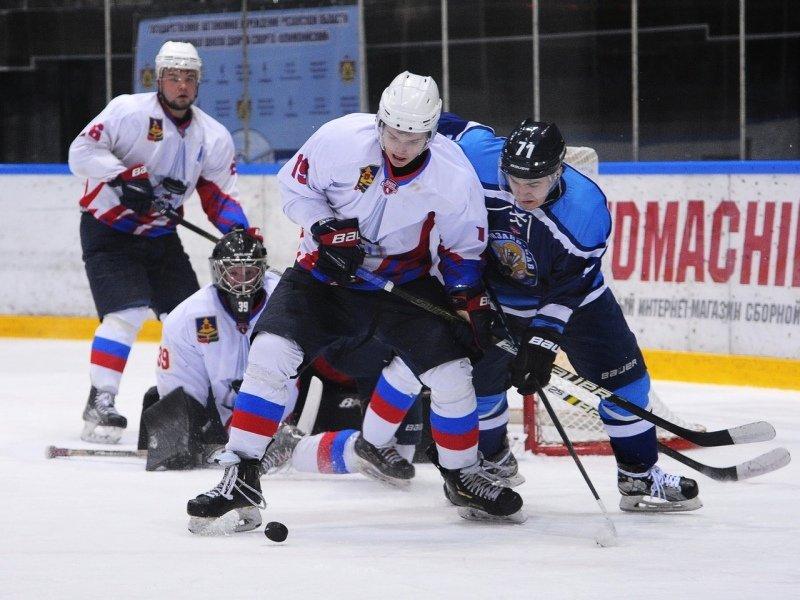 Хоккейный «Брянск» привёз серию 1/8 финала на свой лёд при счёте 1:1