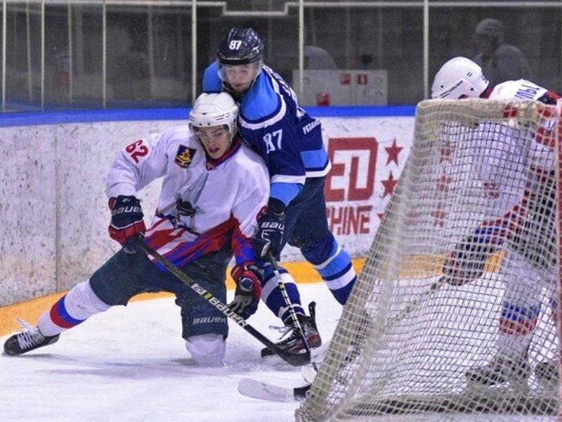 Хоккейный «Брянск» прыгнул выше головы: команда претендует на победу в первом раунде плей-офф