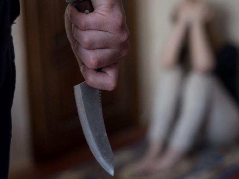 Житель Клетни придушил жену, пырнул ножом, повинился, попросил прощения… И получил 3,5 года