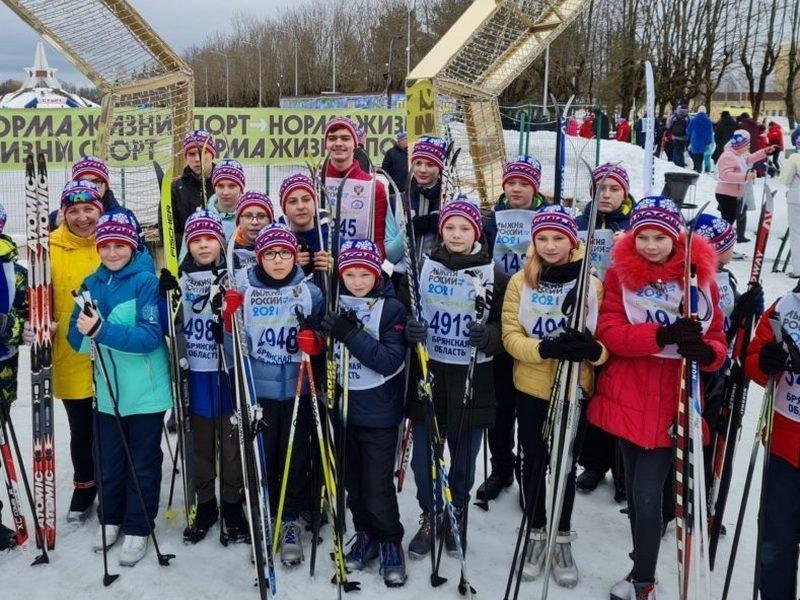 На «Лыжню России» в Брянске вышли более двух тысяч человек