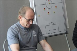 Клуб не отпустил главного тренера брянского «Динамо» Евгения Перевертайло в отставку