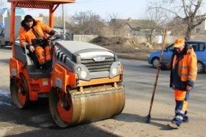 Восстановление «растаявших» весной дорог Брянска должно завершиться к 1 мая