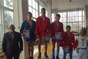 В Брянске определены победители юниорского первенства города по самбо