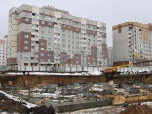 В Брянске для школы в 4-м микрорайоне готово свайное поле