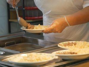 Брянская прокуратура выявила более 250 нарушений в организации питания в школах и детсадах