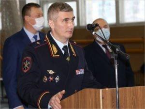 Начальник брянского УМВД получил награду накануне 8 марта