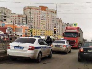 В Брянске дорожная полиция остановила молдавскую фуру, едущую по встречной