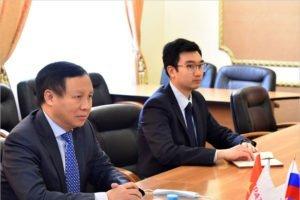Дипломатический «гастротуризм»:  вьетнамский посол Нго Дык Мань оценил производство еды в Брянской области