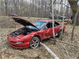Пьяный водитель спорткара улетел в кювет с местной брянской дороги
