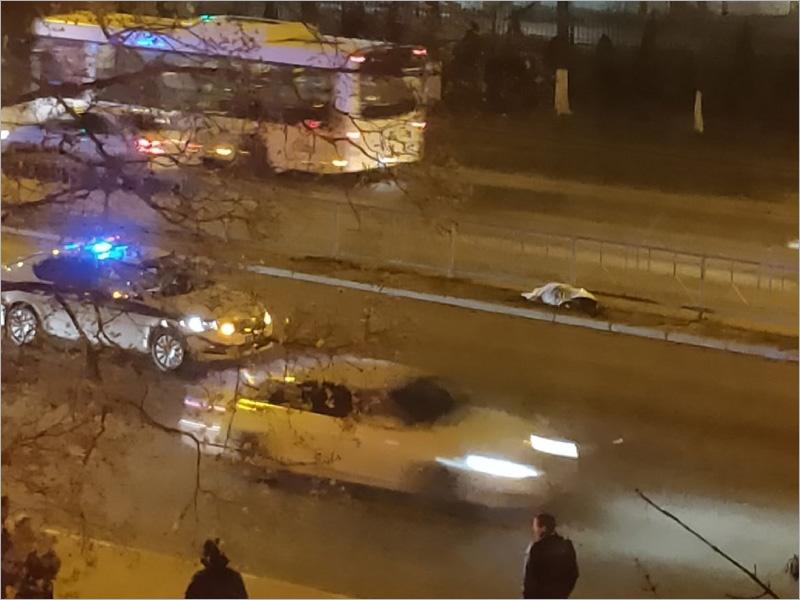 В Брянске на проспекте Московском пьяный водитель насмерть сбил пешехода-нарушителя