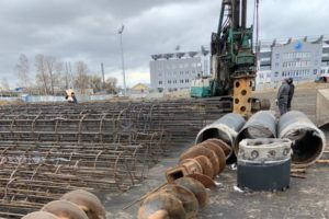 В Брянске началось трёхлетнее строительство футбольного манежа