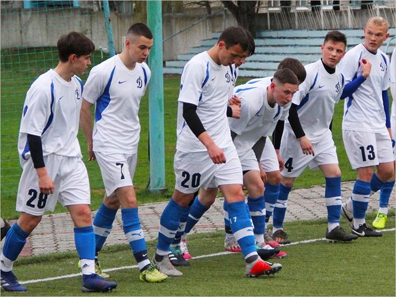 Определён состав «Динамо-М» —  в нём есть футболисты из Климово и Людиново
