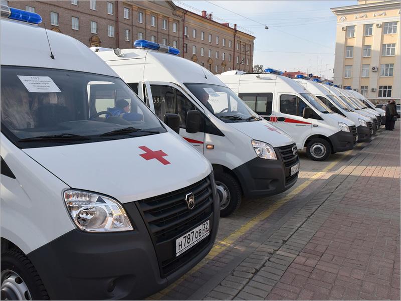 «Единая Россия» обратится к президенту с предложением обновить автопарк «скорых» в регионах