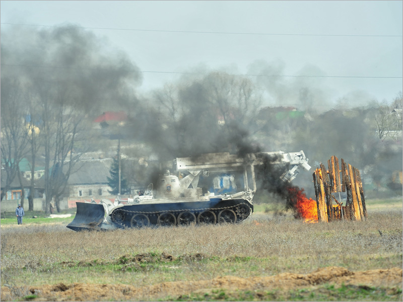 На третий день учений МЧС в Большом Полпино тушили условно-масштабный пожар