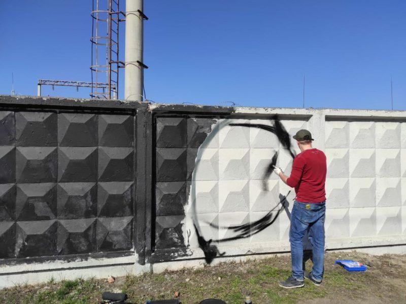 В канун Дня космонавтики в Брянске появилось космическое граффити