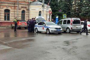 В Брянске с утра перекрыт центр города. Губернатор отбыл в Москву