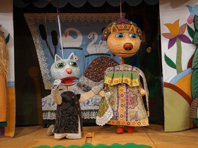 Брянский театр кукол на этой неделе покажет «Про Лисоньку хитрую и Кота Котофеича»